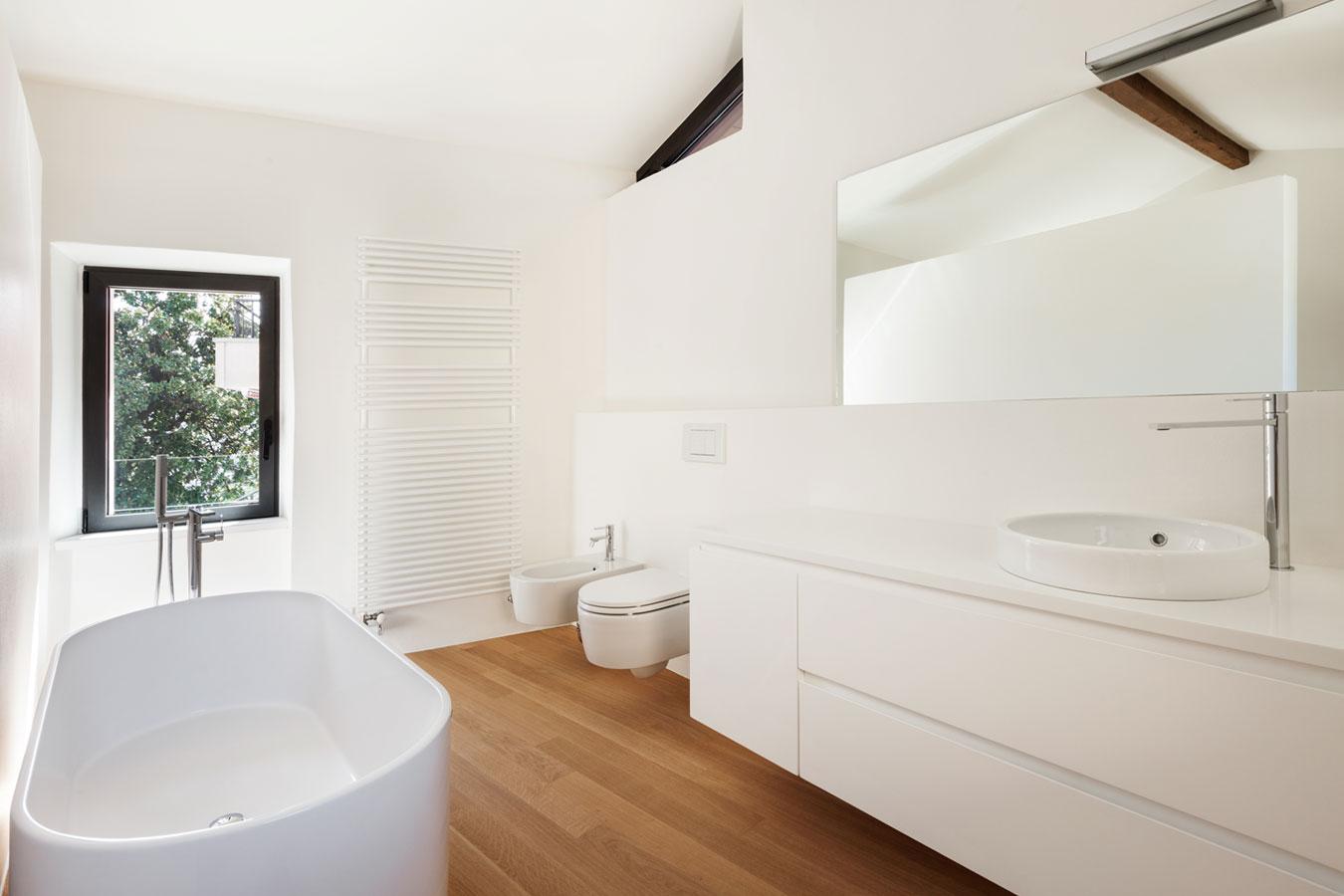 10 dingen om nu weg te gooien uit je badkamer moeders minimalisme - Badkamer m ...